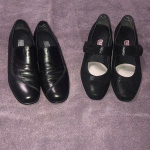 2 pair black Munro American shoes